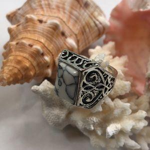 Howlite Ring Silver Setting 8.5 Artisan Made NWOT
